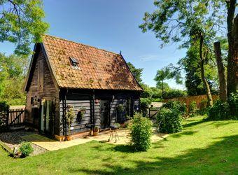 Woodfarm Barns - The Granary Barn