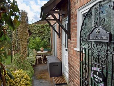 Lace Cottage, Derbyshire, Compton St