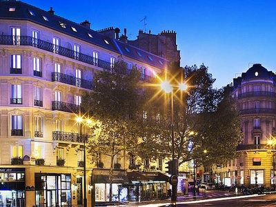 Hotel Plaza Elysees, Paris