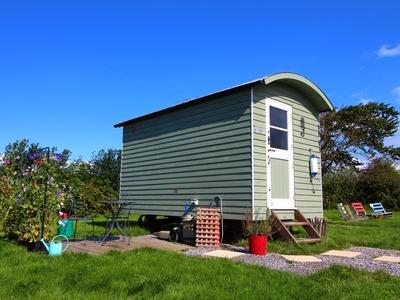 Rhossili Scamper Holidays - Dylan Shepherd Hut, Swansea