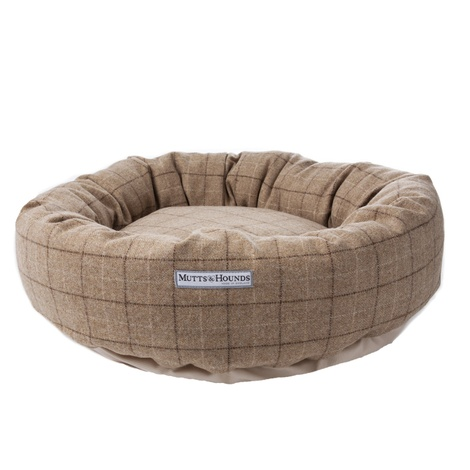 Oatmeal Check Tweed Donut Bed 2