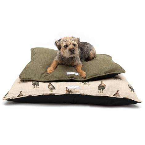 Forest Green Tweed Pillow Bed 8