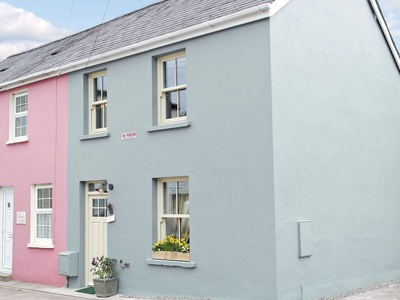Bank Cottage, Wales, Llandeilo