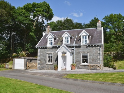 Glenhowl Lodge, Dumfries and Galloway, Saint John's Town of Dalry
