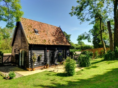 Woodfarm Barns - The Granary Barn, Suffolk