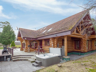 Mountain Bear Lodge, Highland, Aviemore
