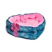 SR! Dog Accessories - Snow White Heart Dog Bed