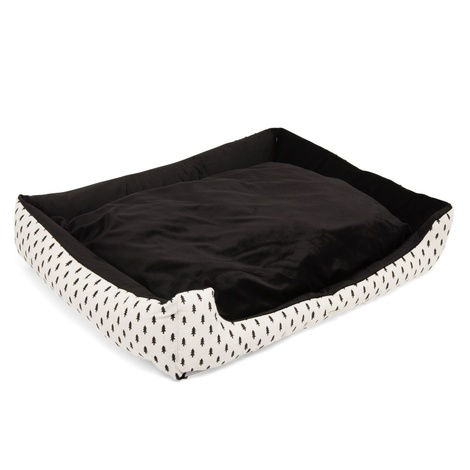 The Balmoral Dog Bed 2