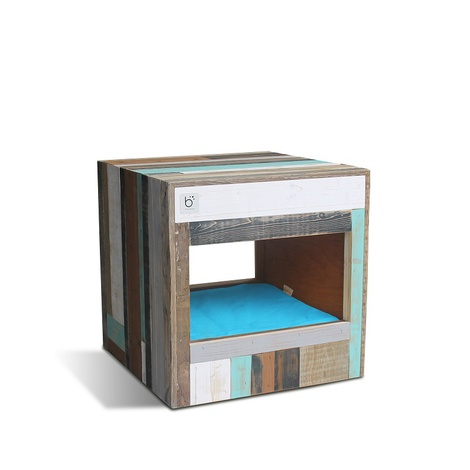 Bloq Eco Pet Bed & Side Table 7