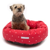 Mutts & Hounds - Cranberry Star Cotton Donut Bed