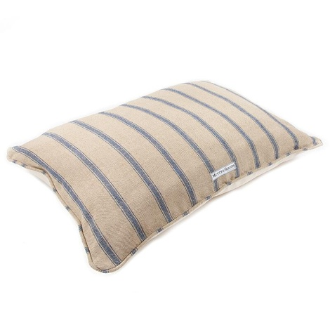 Nordic Stripe Pillow Bed 2