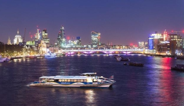 MBNA Thames Clippers River Bus 5