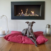 The Lounging Hound - Classic Twist Dog Bed - Cerise