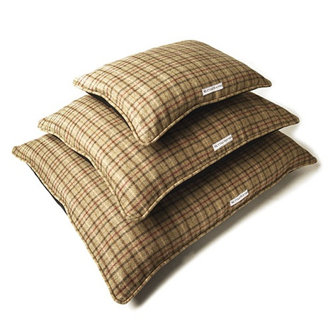 Balmoral Tweed Pillow Bed