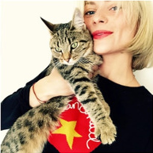 Wardrobe Mistress Pandora Sykes & her cat Indi