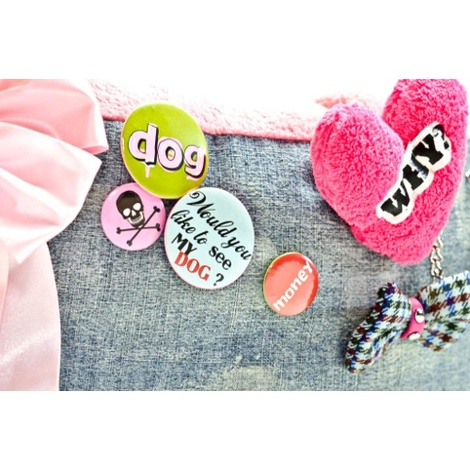The Green Dog Bed with Dog & Heart Dog Toy 4