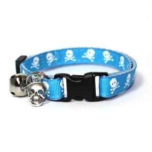 Blue Skull & Crossbones Safety Cat Collar
