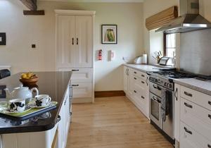 Riven Oak, Cumbria 4