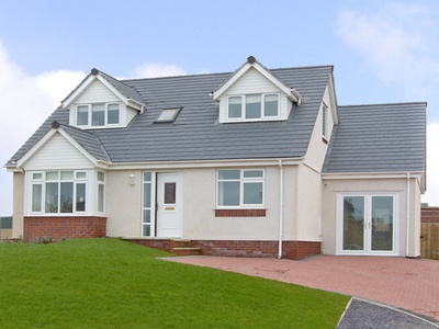 5 Cae Derwydd, Isle of Anglesey, Cemaes Bay