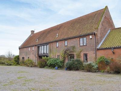 Church Farm Barn, Norfolk, Clippesby