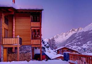 Castor Mountain Chalet 6