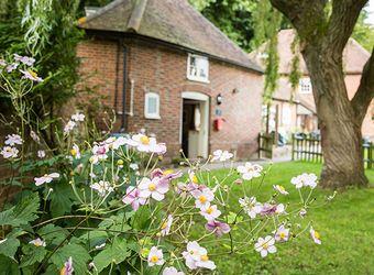 Leeds Castle Cottages - Weir Cottage