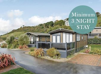 Mullion Cove Coastal Retreat