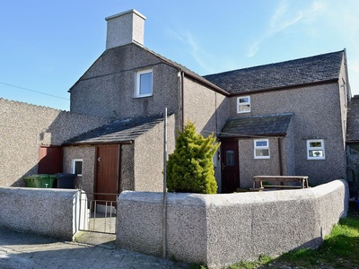 Tanpencefn Mawr, Isle of Anglesey, Brynsiencyn