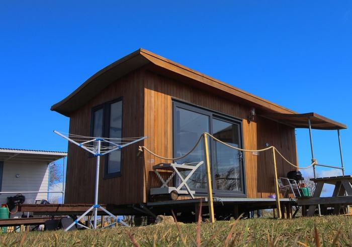 Rhossili Scamper Holidays - Ocean Shepherd Hut, Swansea 1