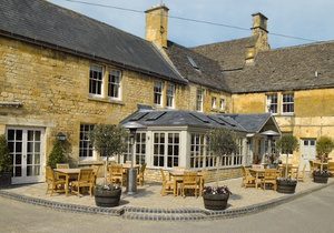 Noel Arms Hotel, Gloucestershire 3