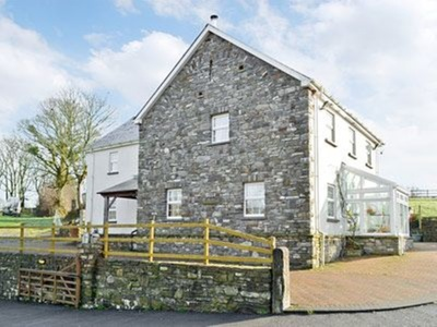Ty-canol, Carmarthenshire, Ferryside