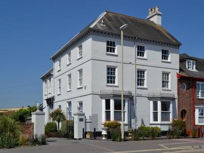 Trafalgar, Devon, Starcross