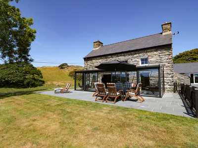 Garth Morthin The Farmhouse, Gwynedd, Porthmadog