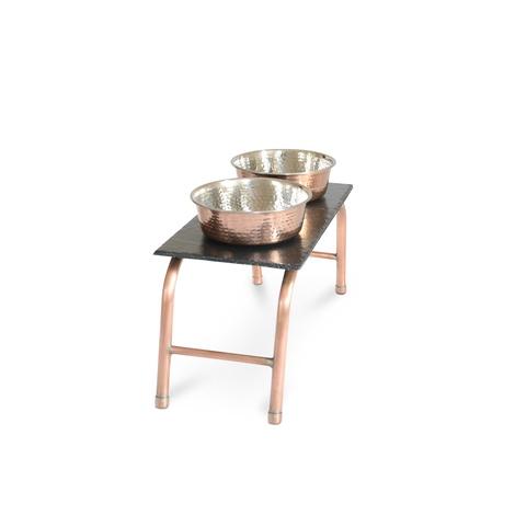 Copper & Slate feeding station