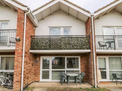 Waterside Villa, Suffolk, Lowestoft