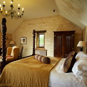 <strong>The Manor House Hotel, Wiltshire </strong> A luxury fido-friendly country house & golf club on the southern edge of the Cotswolds