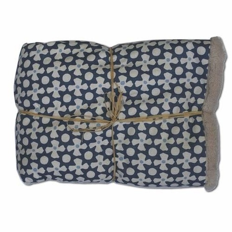 Luxury Pet Blanket – Daisy Star