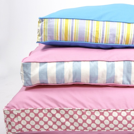 Two Tone Dog Bed - Pink & Daisy Stripe 2