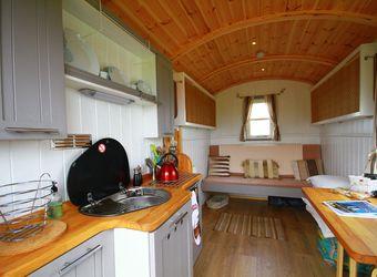Rhossili Scamper Holidays - Classic Shepherd Hut