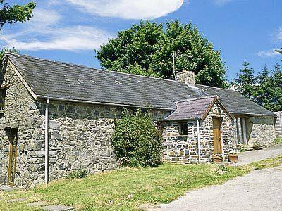 Ty Christian, Ceredigion, Llwyndafydd