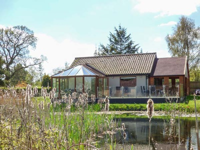 Dragonfly Lodge, Norfolk, Whinburgh