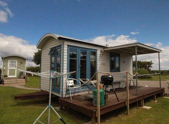 Rhossili Scamper Holidays - Sands Shepherd Hut