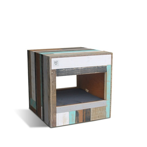 Bloq Eco Pet Bed & Side Table 5