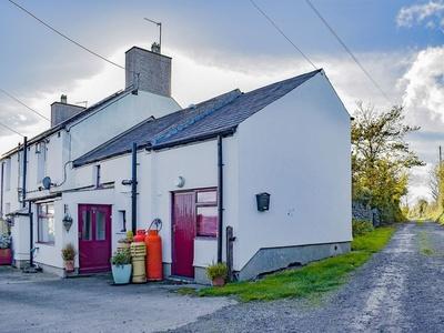 Bedd-y-cor Bach, Isle of Anglesey, Llanfachraeth