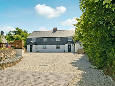 Number Two - Home Park Farm Cottages, Cornwall, Helstone