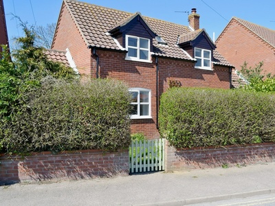 Dormouse Cottage, Norfolk, Sea Palling