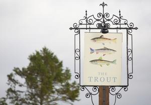 The Trout at Tadpole Bridge 5