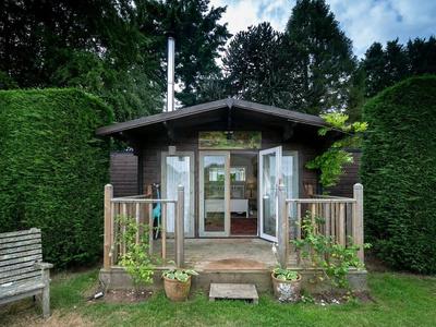 Tor Hatch Cabin, Surrey
