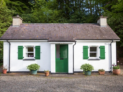 Mr McGregors' Cottage, Ireland, Omagh