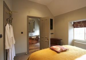 The Wheatsheaf Inn, Gloucestershire 5